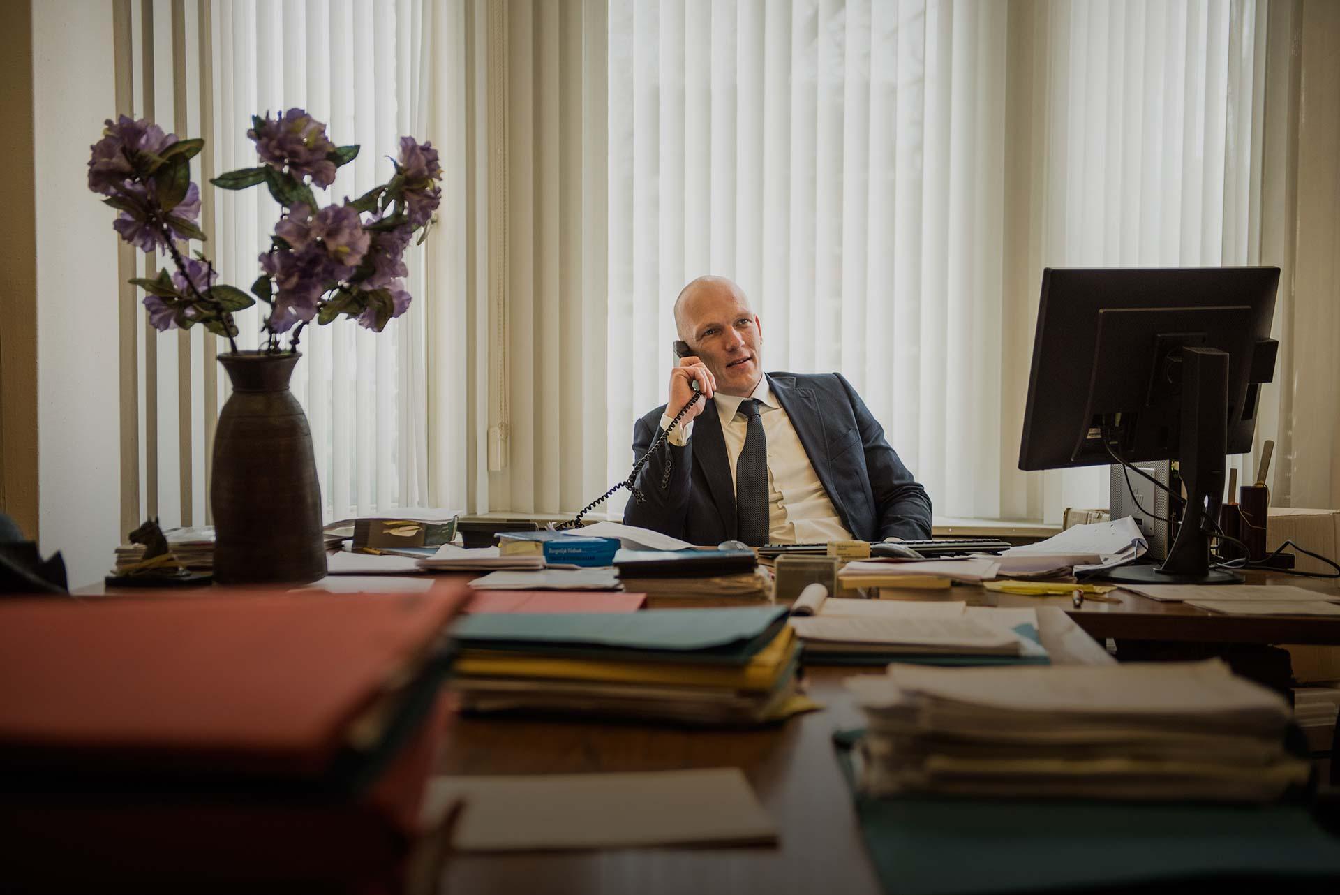 Advocaten en notarissen die zich verplaatsen in uw uitdaging